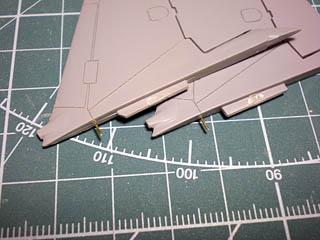垂直尾翼取り付け図